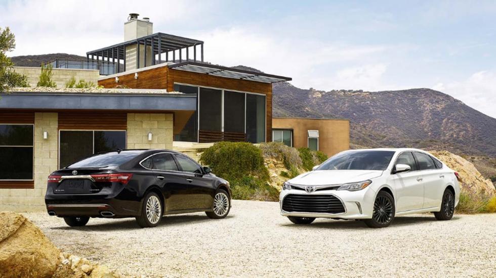 Toyota Avalon desconocido sedán lujo EEUU