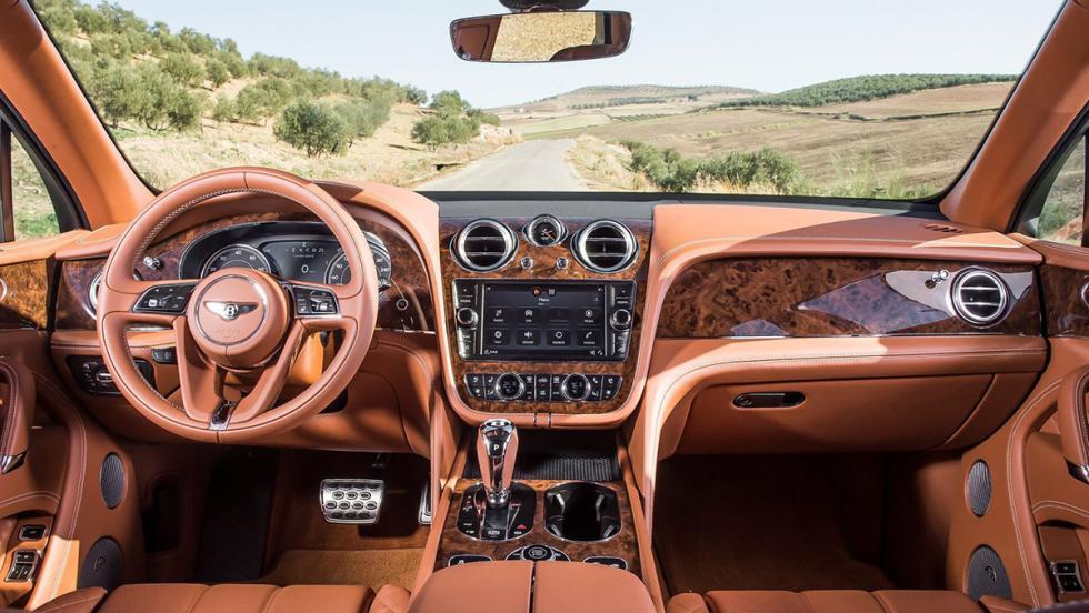 5 coches que serían mejores como eléctricos - Bentley Bentayga