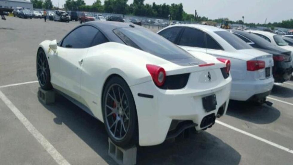 Ferrari 458 Italia inundado