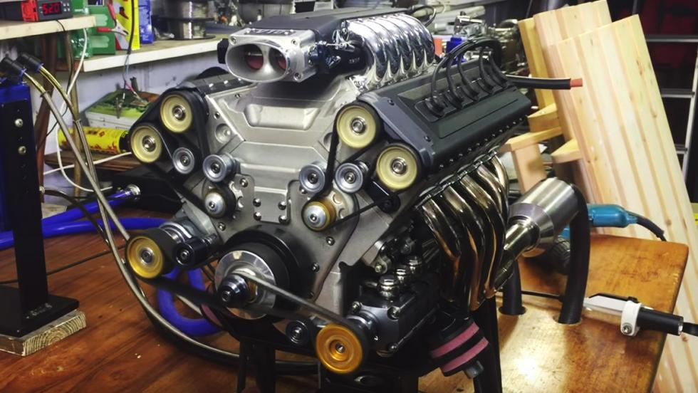 Un motor V10 de 125 cc
