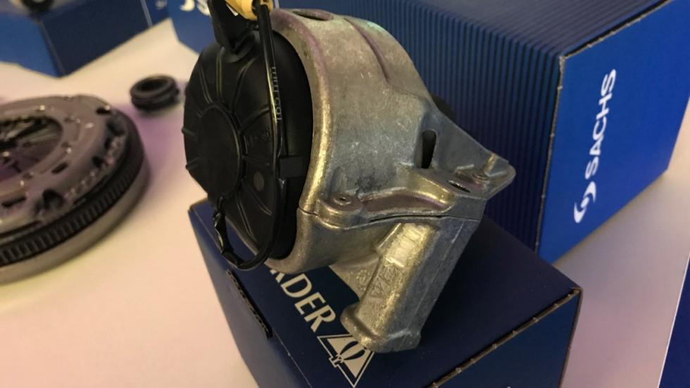 Soporte electrónico de motor de Sachs
