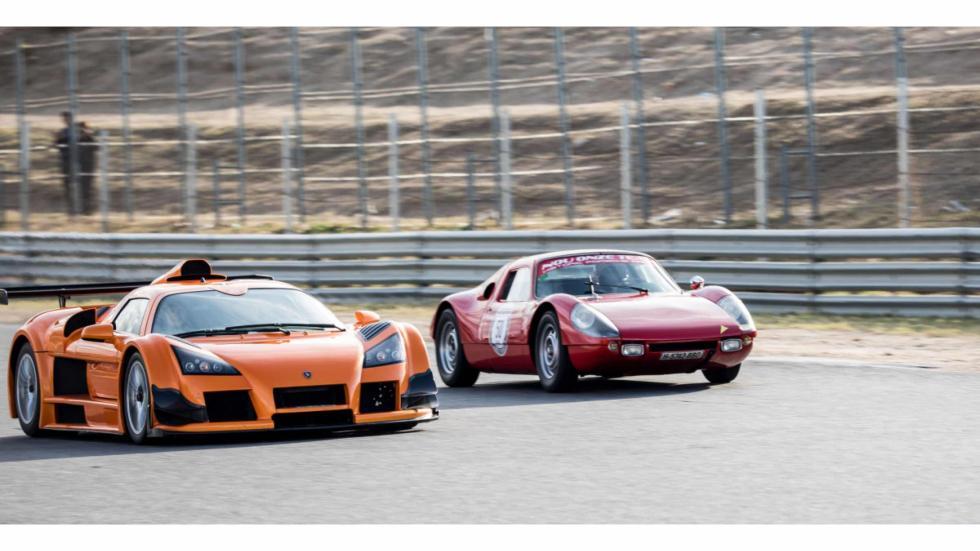 Ver un Ferrari clásico junto a un Gumpert Apollo...