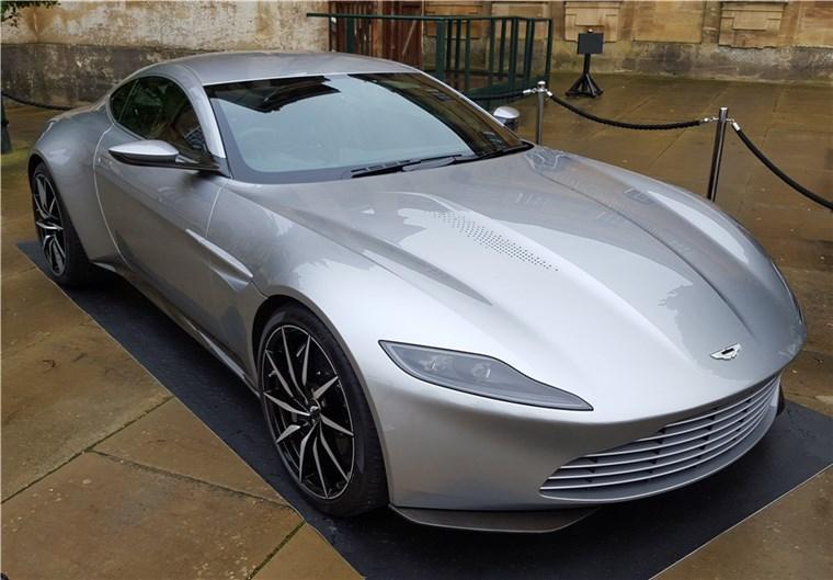 Aston Martin DB10 de James Bond