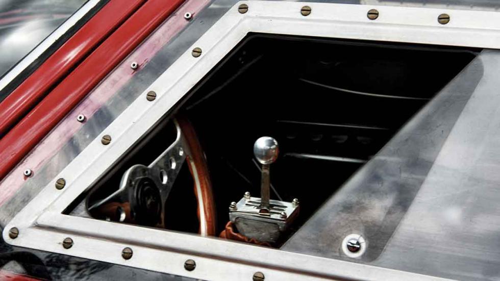Con un V8 de Alfa Romeo Montreal