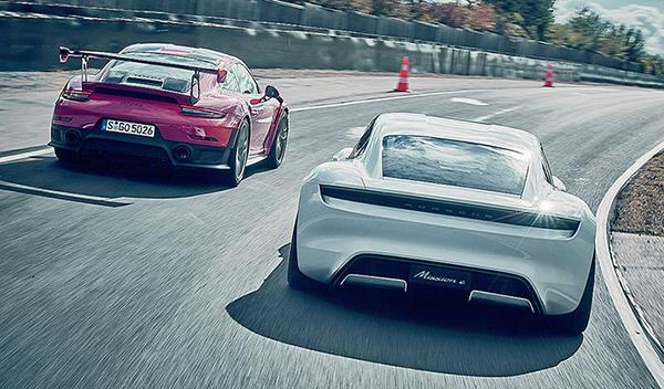 Porsche GT2 RS vs Porsche Mission E