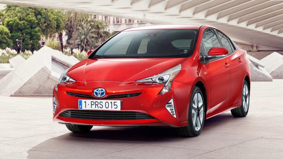 Todos los coches híbridos que puedes comprar - Toyota Prius