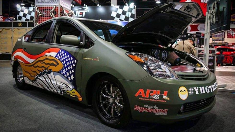 Toyota Prius con motor Hellcat