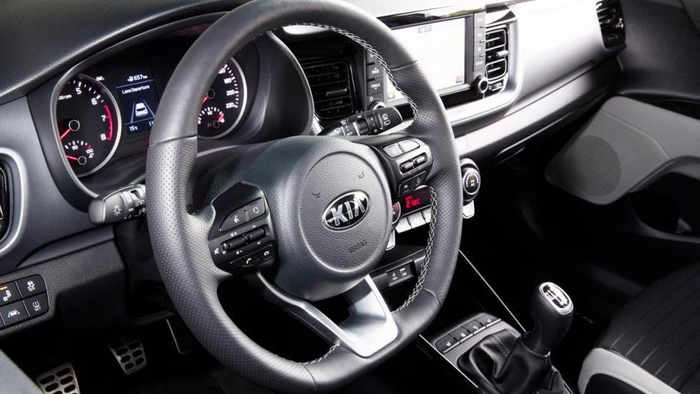 Prueba Kia Stonic 1.6 CRDi (volante)