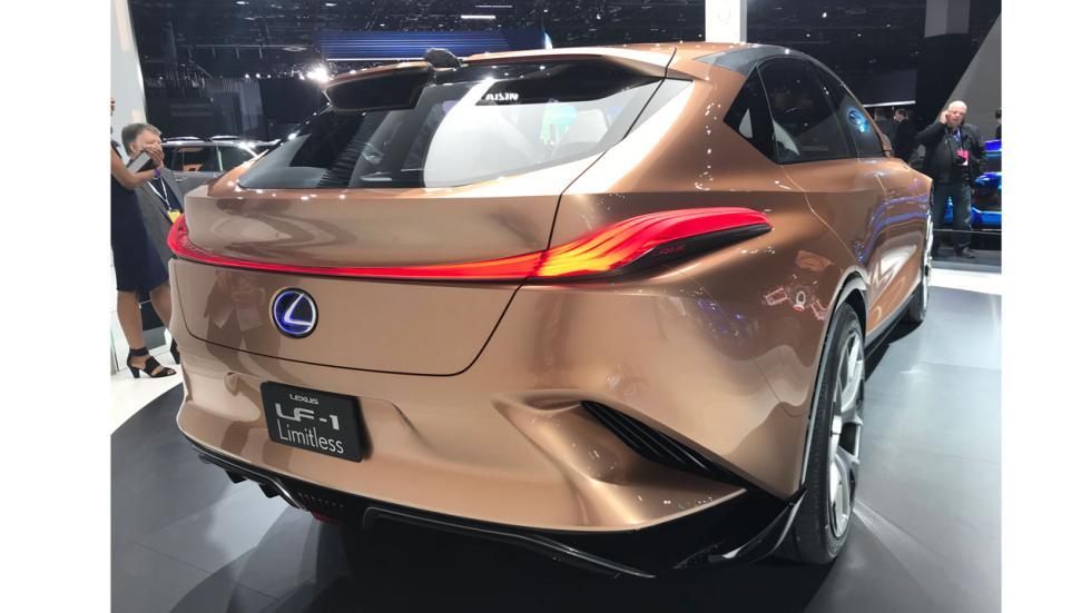 Salón de Detroit 2018: Lexus LF1 Limitless concept trasera