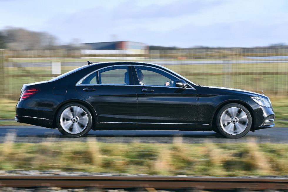 Mercedes Clase S vs nuevo Audi A8