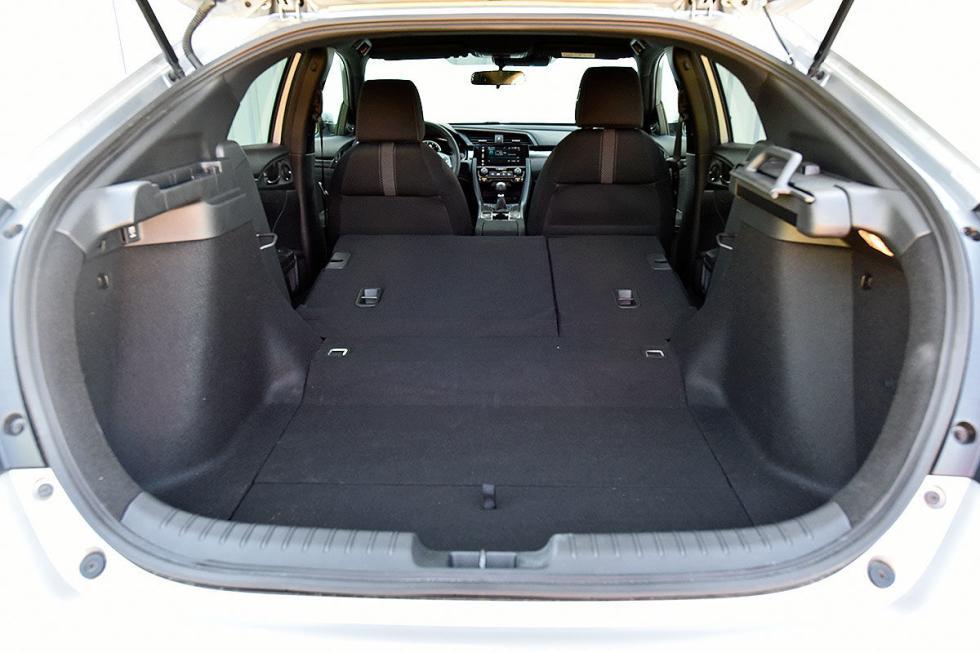Honda Civic, Citroën C4 Cactus, Renault Mégane y Seat León