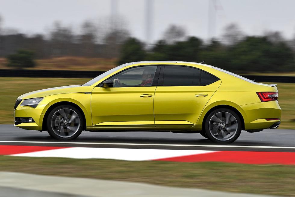 Opel Insignia GSi vs Skoda Superb 2.0 TSI 4x4