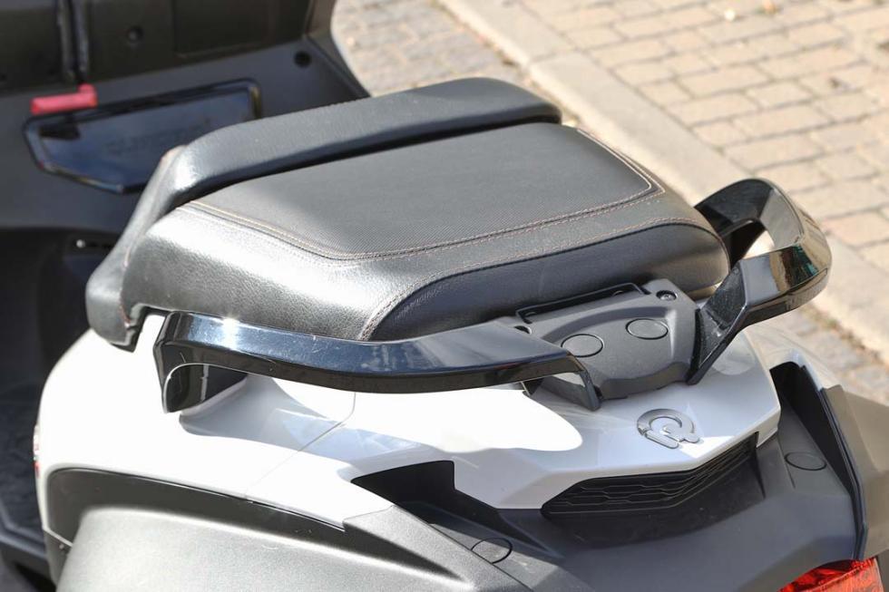 Prueba Quadro4, la moto de cuatro ruedas para el carnet B