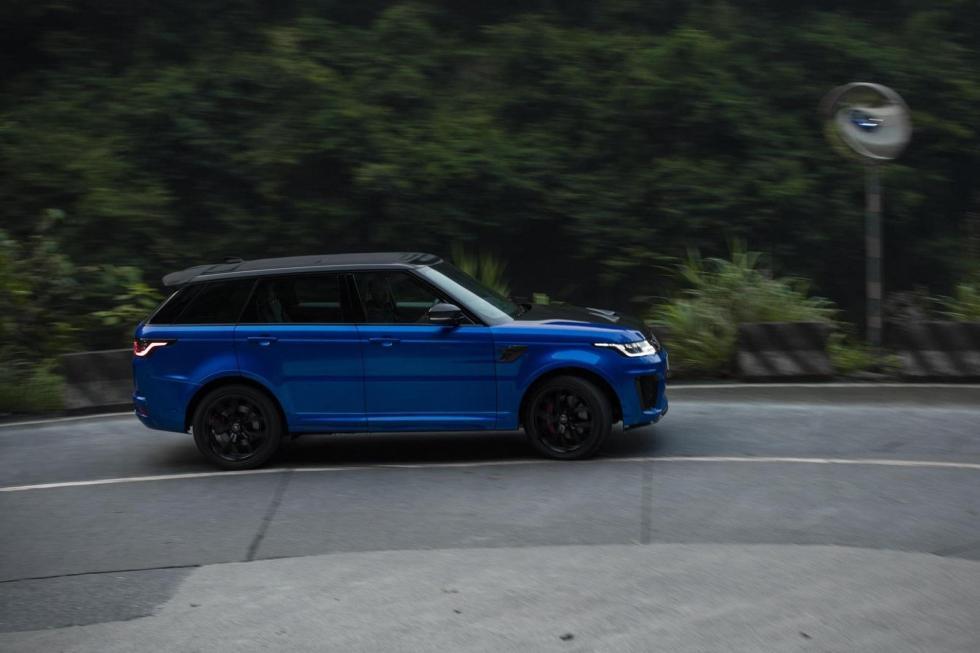 Coches que debutaron en Goodwood: Range Rover Sport SVR