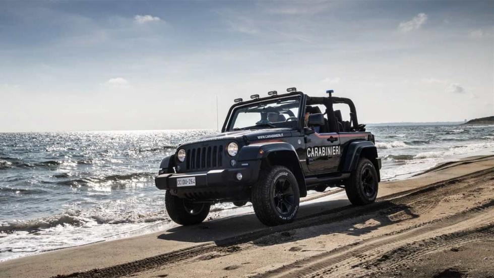 todoterreno off-road policia italia playa offroad arena agua