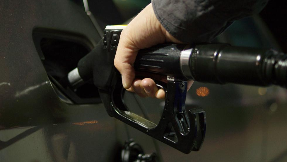 Test: ¿eres un auténtico 'pisapedales'? - ¿Subidas del carburante? ¡Ja!