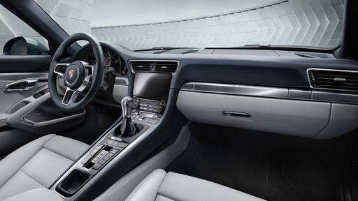 BMW i8 o Porsche 911
