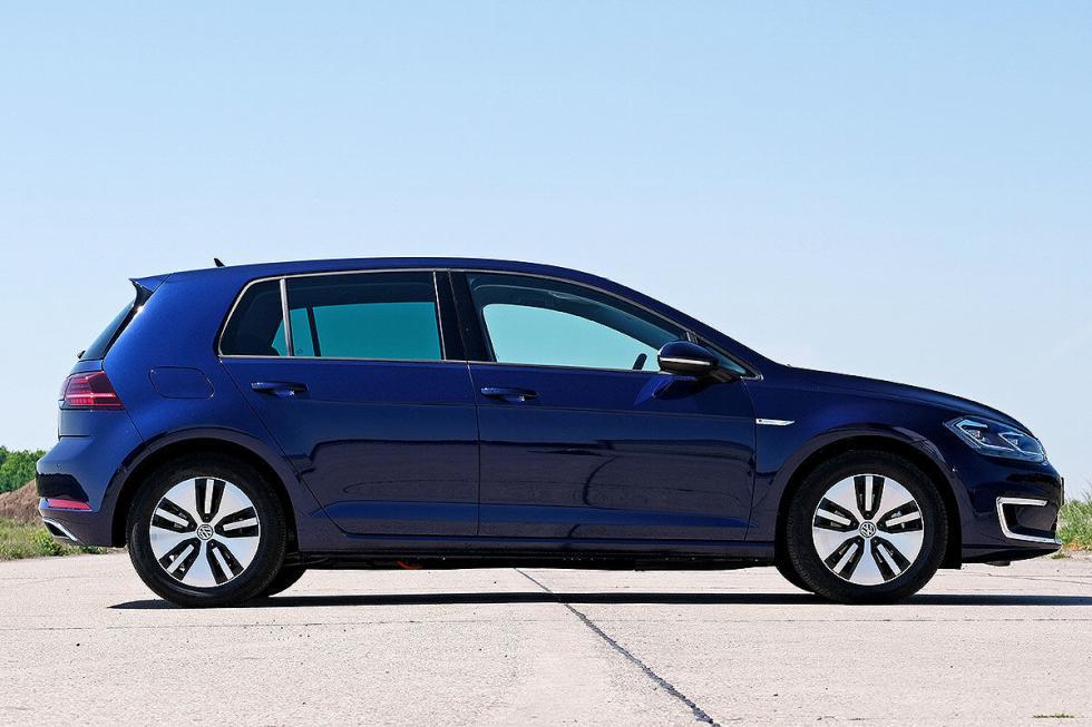 Nissan Leaf vs Volkswagen e-Golf