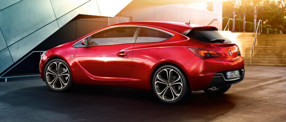 Los tres rivales del Seat León SC FR: Opel Astra GTC