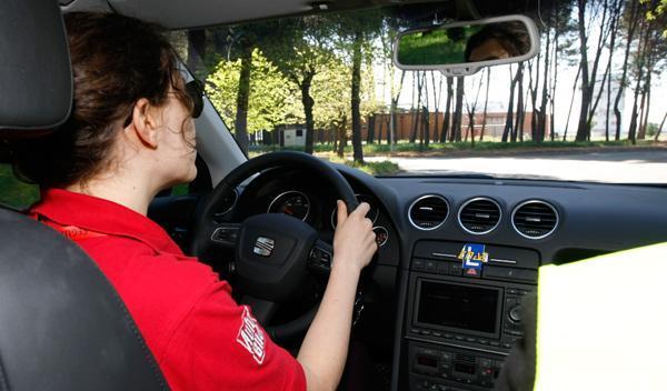Al volante, precaución