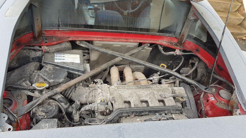 Toyota MR2 con la carrocería preparada