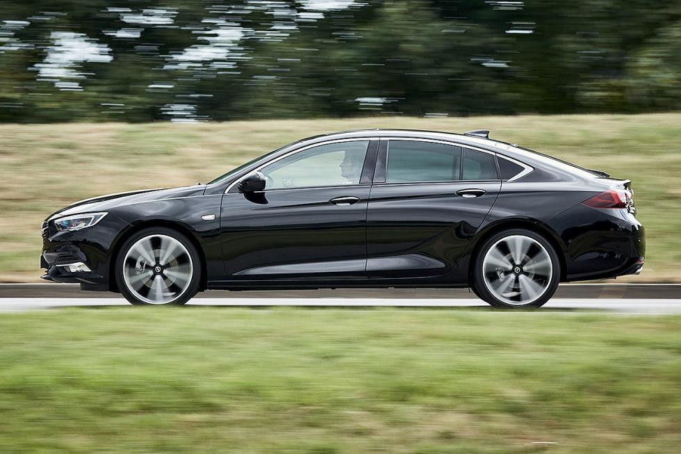 Mazda6 vs Opel Insignia y Volkswagen Passat