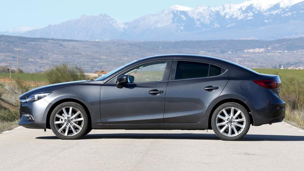 Comparativa Hyundai i30 Fastback vs Mazda3 SportSedan