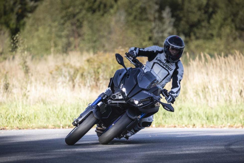 Galería prueba Yamaha Niken
