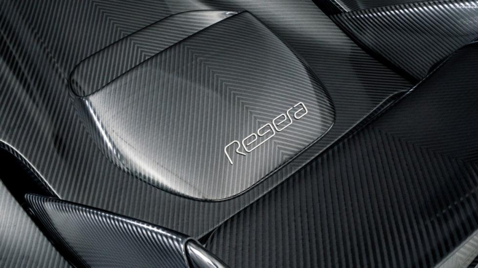 Koenigsegg Regera fibra de carbono