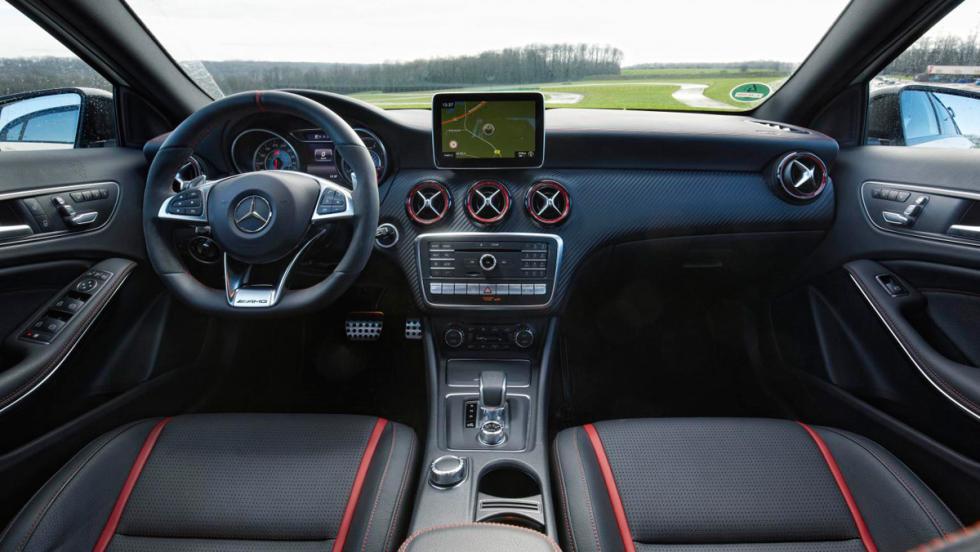 Mercedes A45 AMG, interior