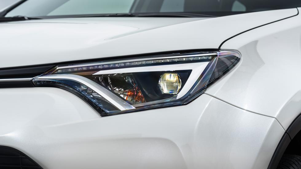 Toyota RAV4 Hybrid, faros