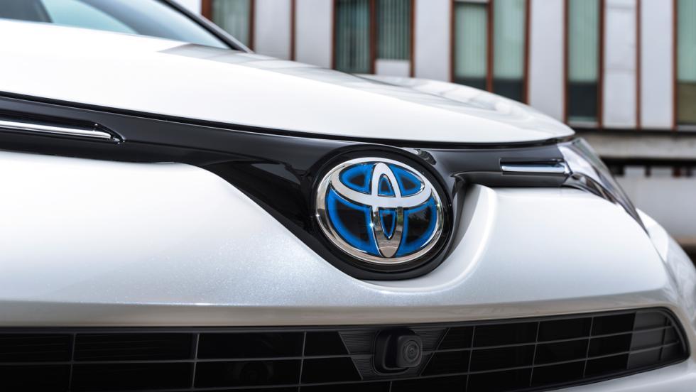 Toyota RAV4 Hybrid, logo