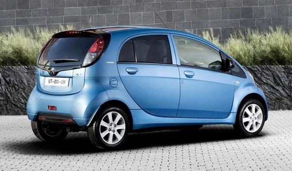 Fotos: El Gobierno subvencionará un 20% de la compra de coches eléctricos