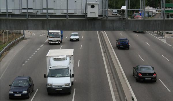 Los radares ya multan a más de 110 km/h