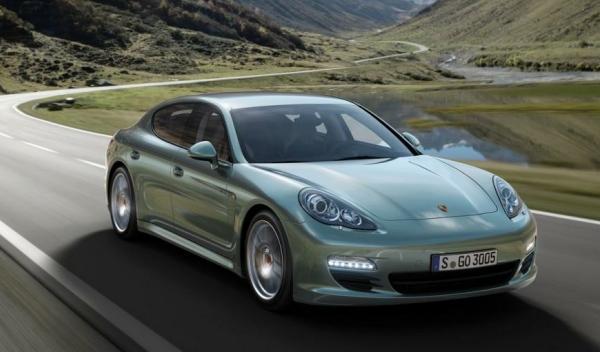 Porsche-Panamera-Diesel-movimiento-frontal