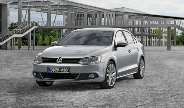 Volkswagen Jetta delantera