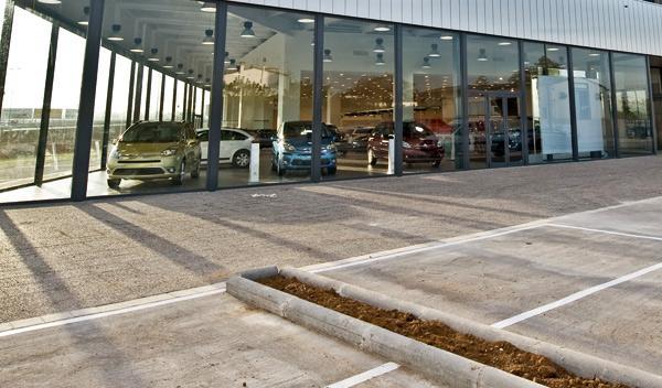 Caen un 31,4% las ventas de coches en junio