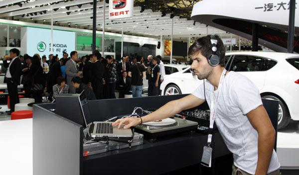 Jaime Alguersuari se estrenará como DJ con su nuevo disco