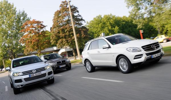 Imagen frontal del BMW X5, Mercedes ML y VW Touareg