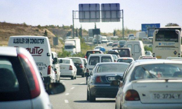 La DGT propone cobrar peajes por usar las carreteras