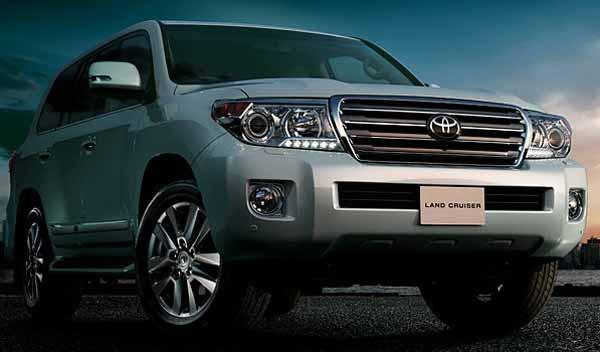 Nuevo Toyota Land Cruiser 200 frontal