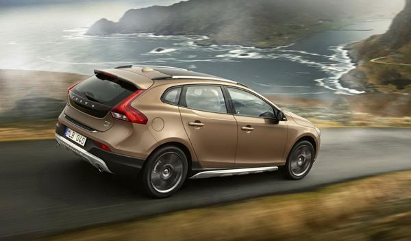 Volvo-V40-Cross-Country-dinámica-trasera