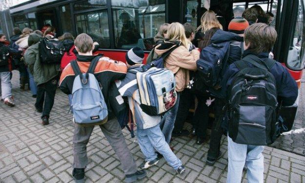 DGT inicia una campaña de vigilancia del transporte escolar