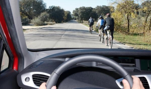 Radar multa a un ciclista desnudo por exceso de velocidad
