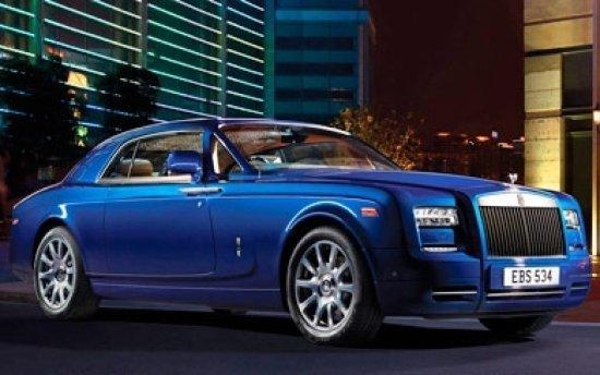 Vídeo: un Rolls-Royce Phantom II, yendo 'de lado'