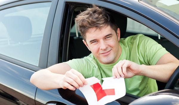 Consigue el carné de conducir sin pasar por la autoescuela