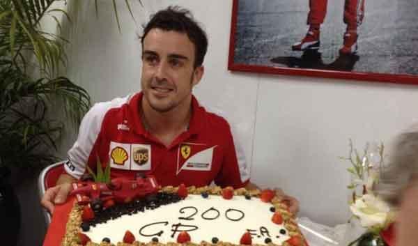 Fernando Alonso celebra su 200 GP en el GP de Malasia 2013