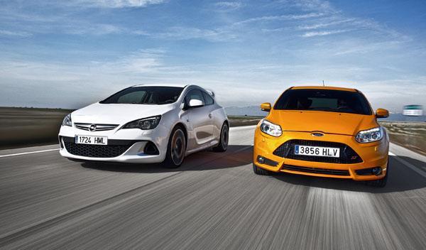 Ford Focus ST vs Opel Astra OPC delantera