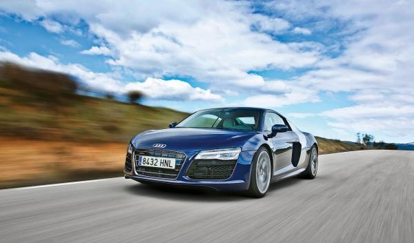 Audi R8 V10 S-Tronic delantera
