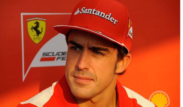 Fernando Alonso, atento a la final del Roland Garros